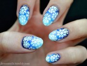 winter snowflake nail