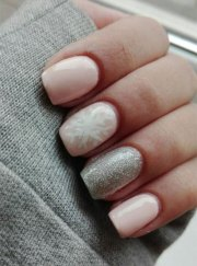 winter gel nail art design