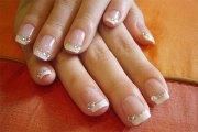 gel french tip glitter nail