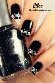 black & silver gel nail art