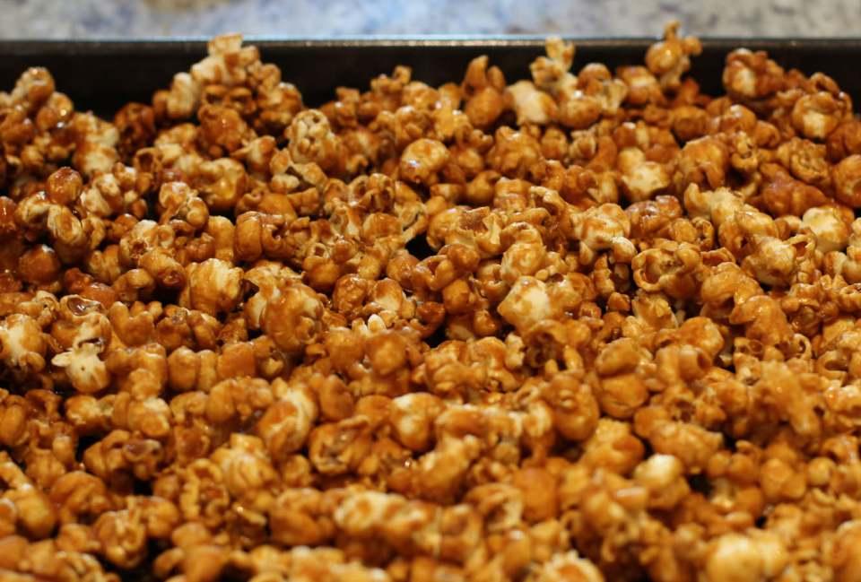 toffee-popcorn-recipe-home-cinema-2