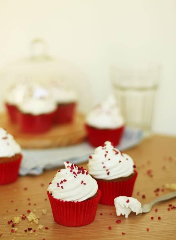 eton-mess-cupcake-recipe-4