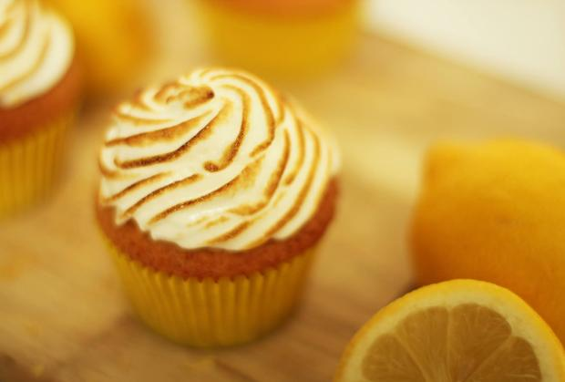 lemon-meringue-cupcake-recipe-8
