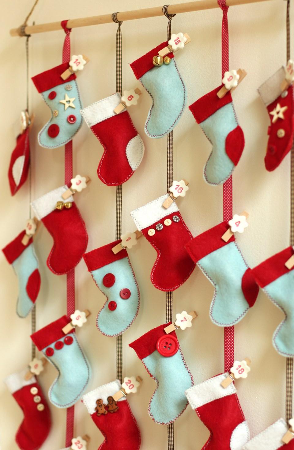 homemade-advent-calendar-mini-stockings-17