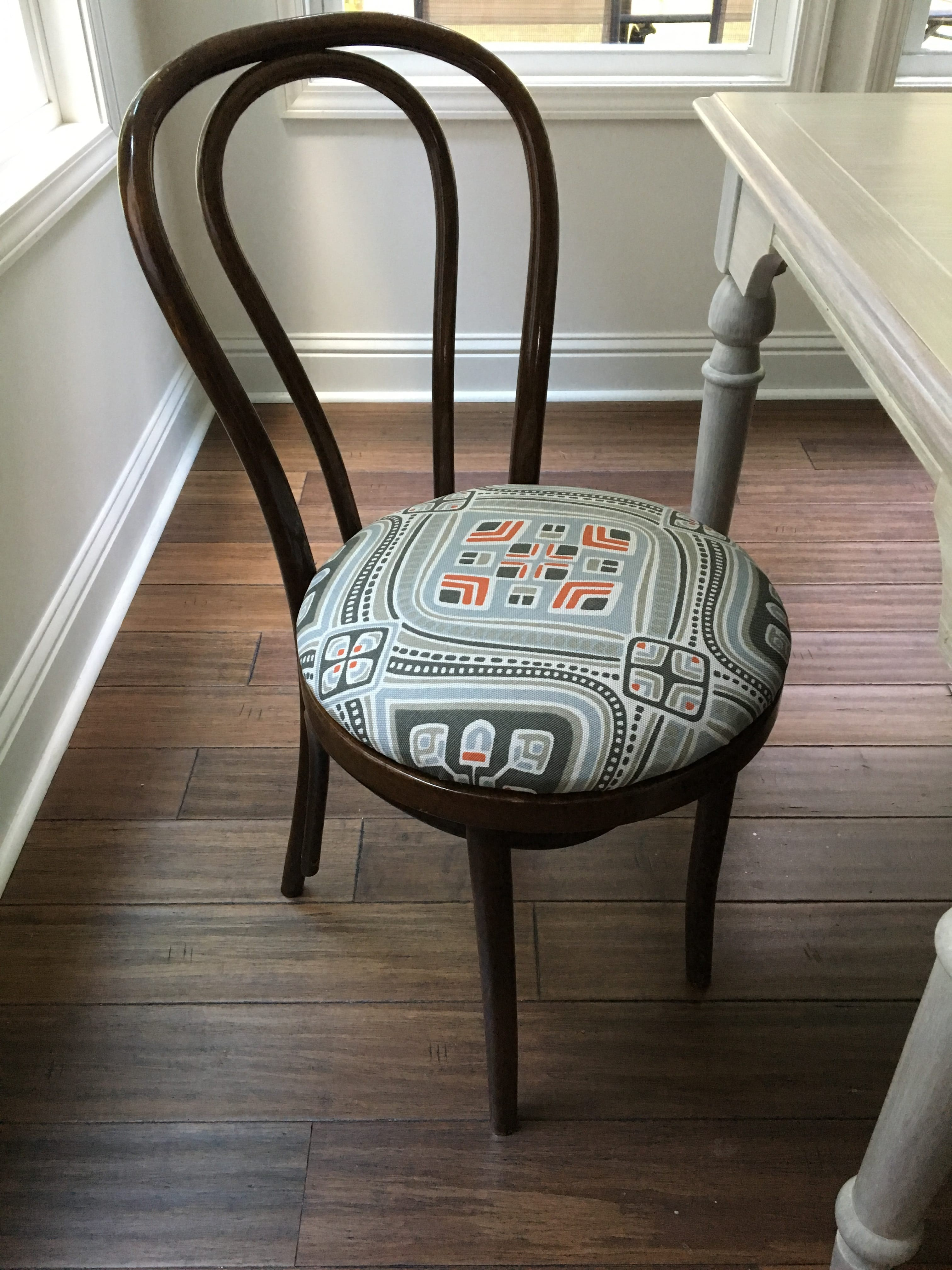 upholstering a chair seat cushion small scale upholstered dining chairs no sew upholstery tutorial learn how to re