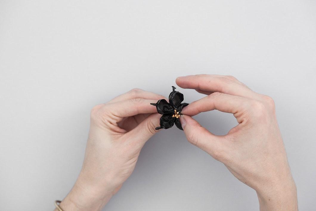 DIY Flores de seda maxi-canotier · DIY Tissue paper flowers Maxi-canotier · Fábrica de Imaginación · Tutorial in Spanish