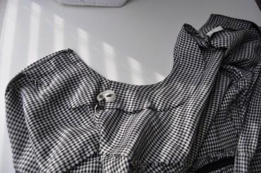 Dress Interior - neckline facing