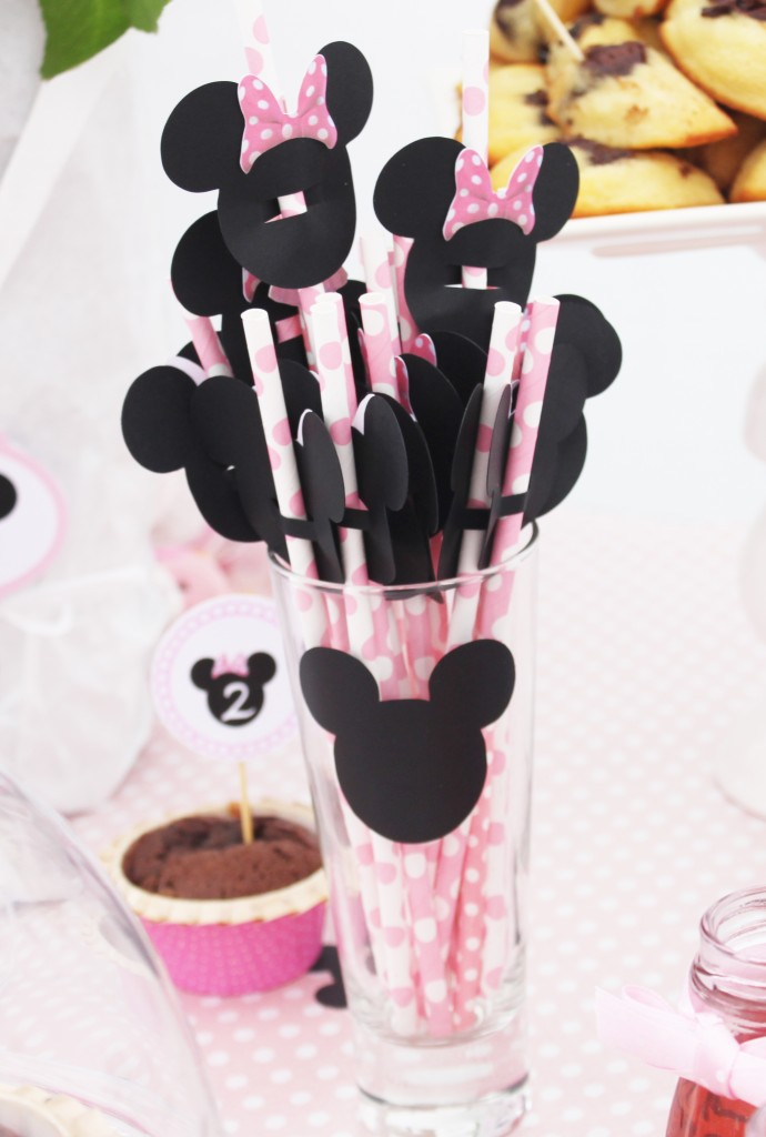 sweet-table-minnie-decoration-paille