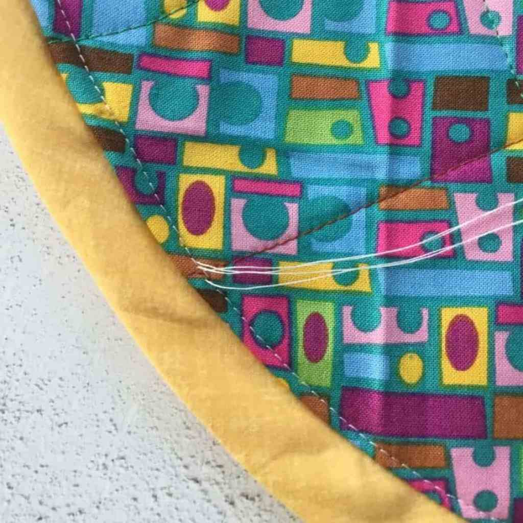 Tutorial for the StashnGo drawstring bag by fabricandflowers | Sonia Spence
