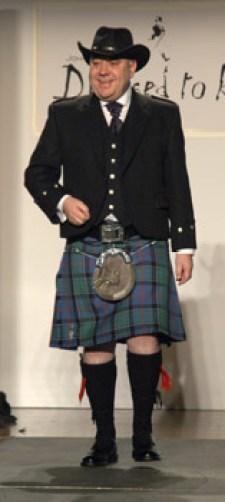 Alex Salmond in a kilt ad stetson