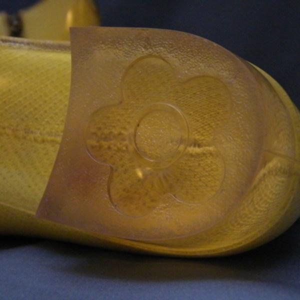 Daisy heel