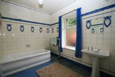 1920s tiled bathroom