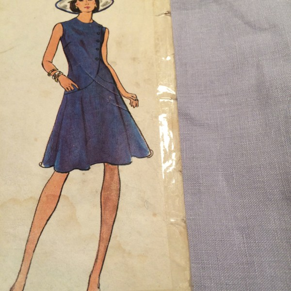 Vogue 1065 + mauve linen