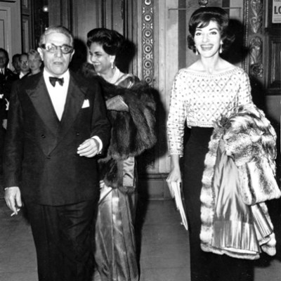 Callas in Biki blouse and skirt