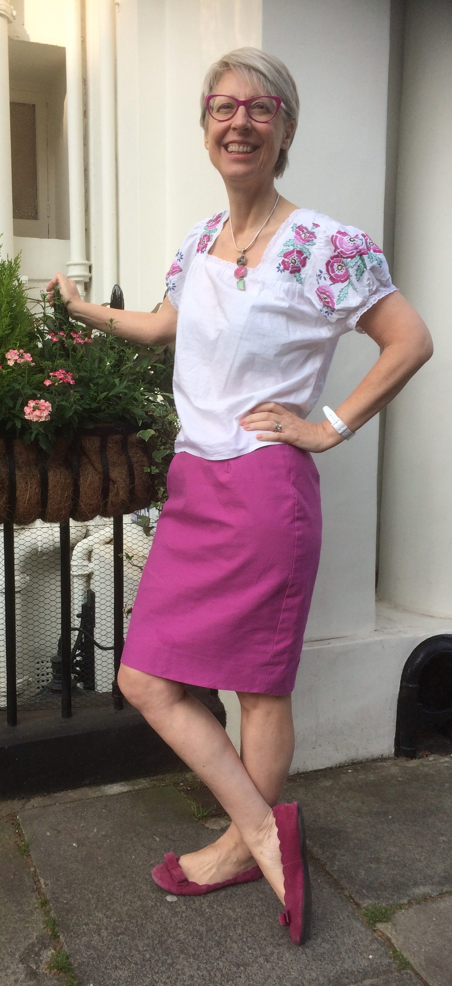 1940s embroidered blouse and self drafted curvy pencil skirt