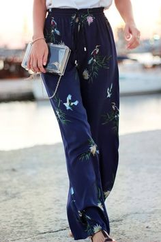 Loose fitting drapey trousers