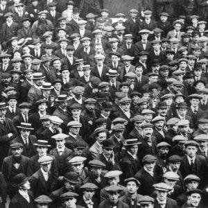 1914 men signing up