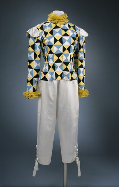 1951 Hubert de Givenchy and Elsa Schiaparelli Harlequin suit (V&A)