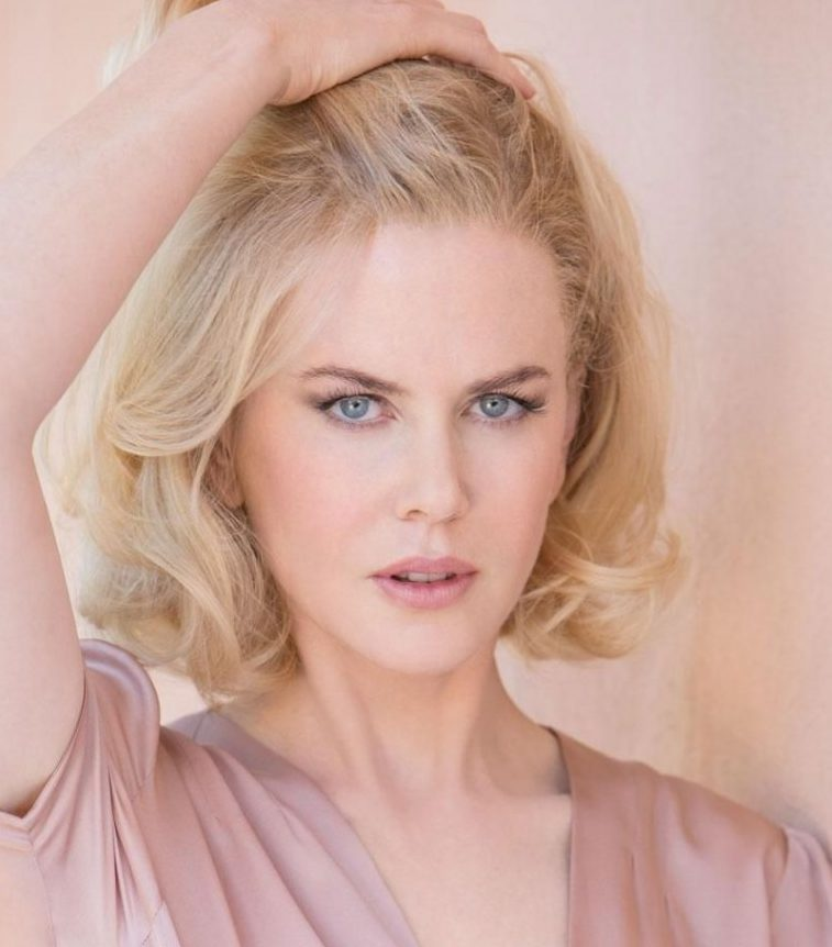 Nicole Kidman in light colours