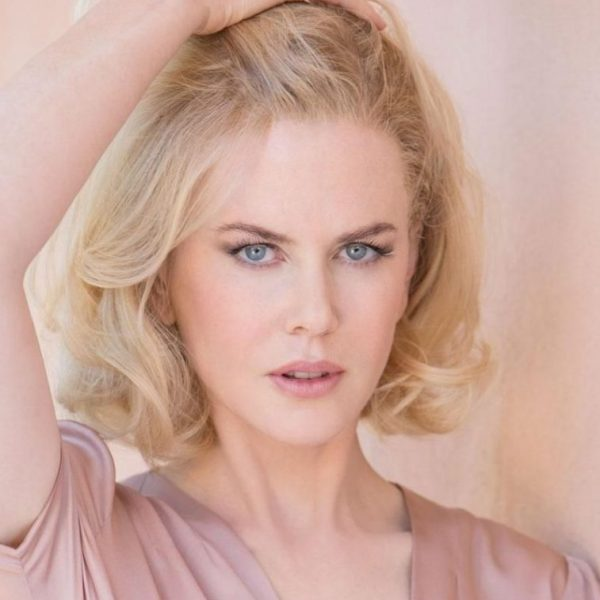 Nicole Kidman in light colours