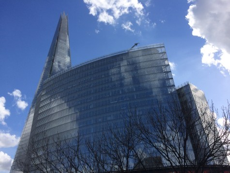un cielo stupendo sopra la stazione di London Bridge