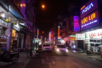 Noc na ulicy handlowej