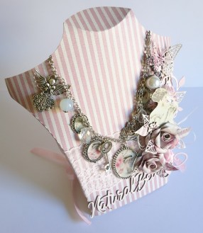 2My Fair Lady Collection OTP Necklace Display Stand & Necklace (Natural Beauty)