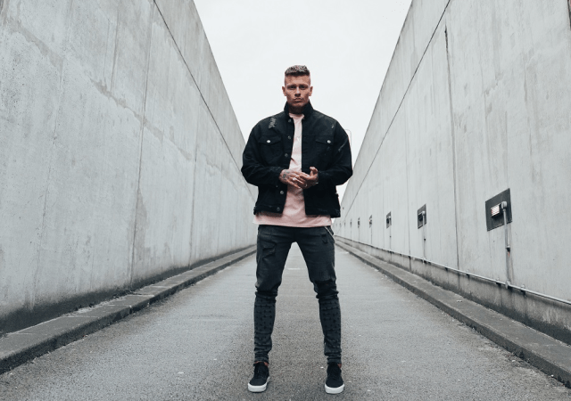 LOVE ISLAND'S ALEX BOWEN LAUNCHES DEBUT CLOTHING LINE,MVMNT LONDON 1