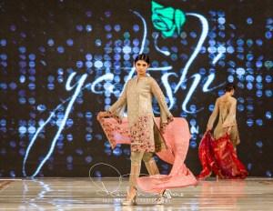 Yatashi Catwalk Show At Pakistan Fashion Week 2017 (1)