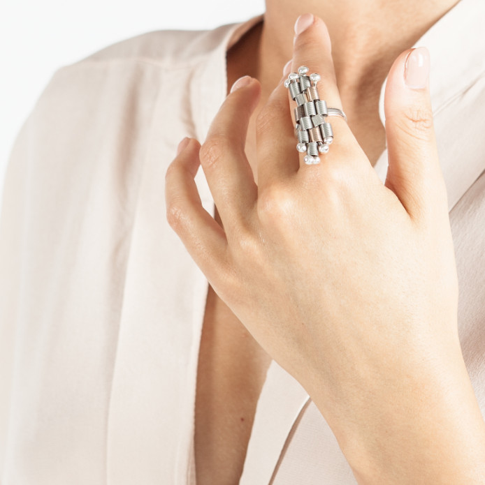 Laura Visentin Alba Ring at Pure London