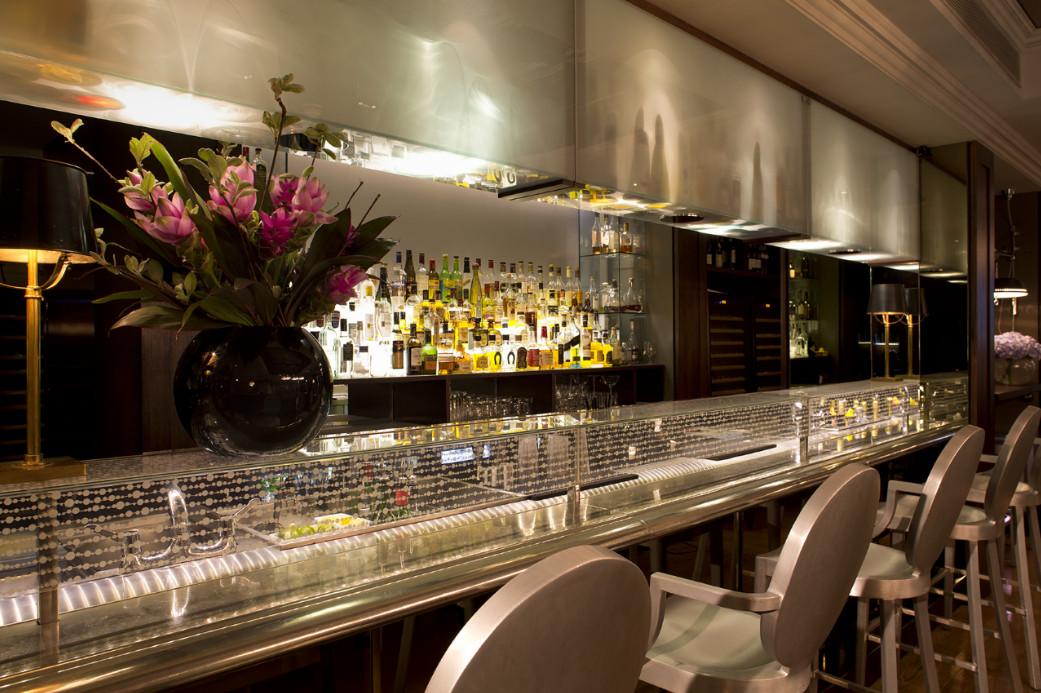 The Bar Closeup, The Arch London.