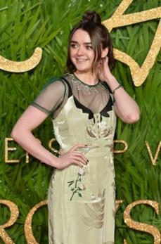 Maisie williams attends the british fashion awards 2017 in partnership with swarovski (british fashion council)