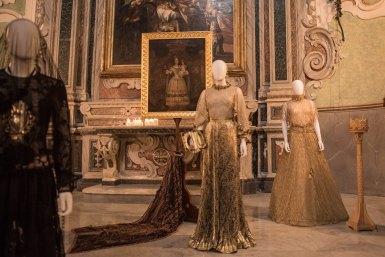 Mostra (rid) madonne lucane. vestiti che profumano d'incenso.10 ph. enzo dell'atti