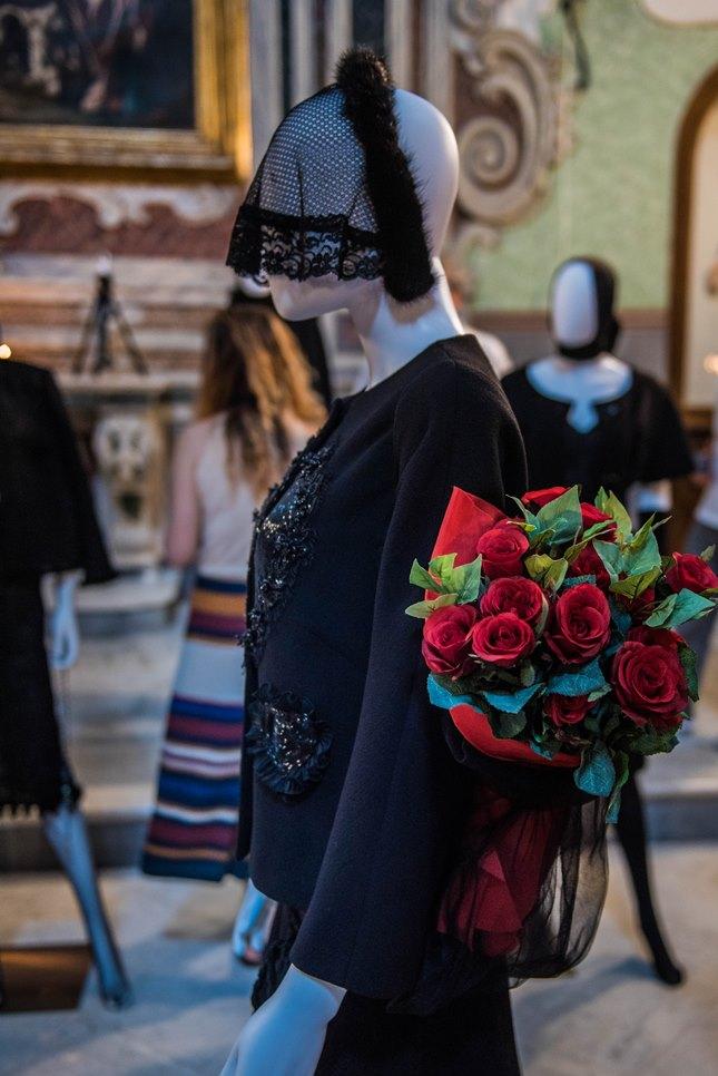 Mostra (rid) madonne lucane. vestiti che profumano d'incenso.4 ph. enzo dell'atti