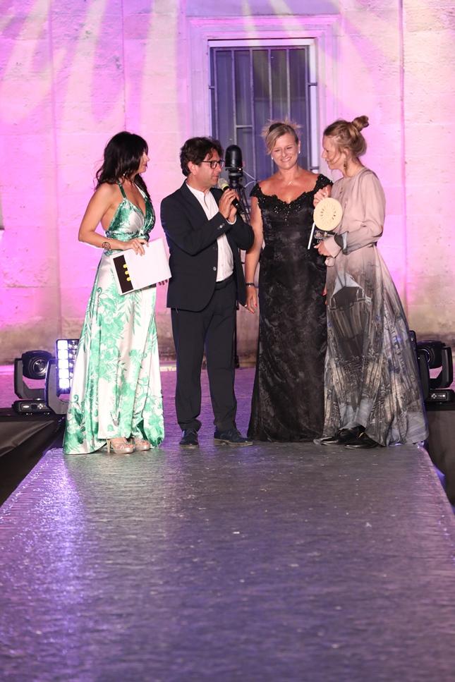 Premio moda 2018 magazine a lampoon ritira il premio angelica carrara ph. sandro quarto