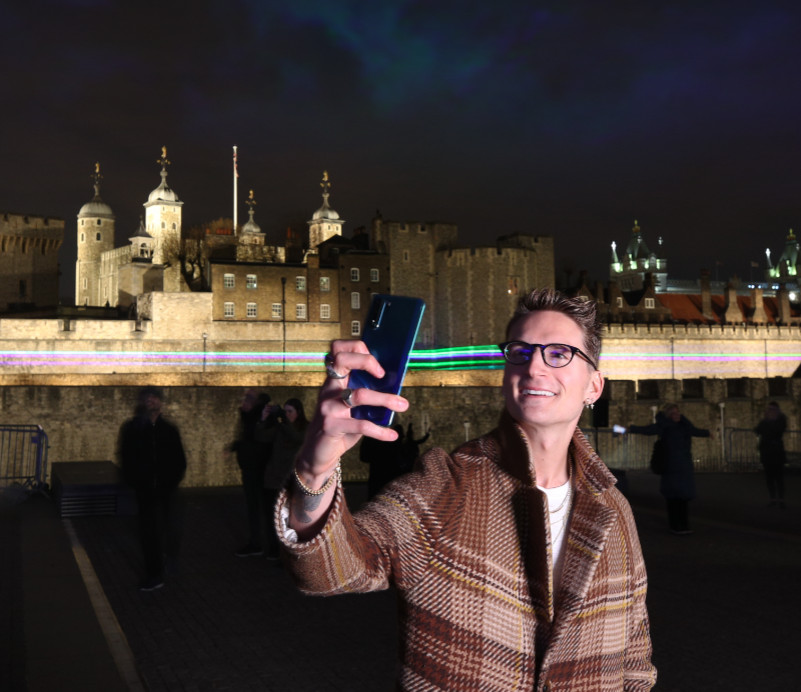 Oliver proudlock attends huawei p30 pro launch northern lights at tower of london[4][7]