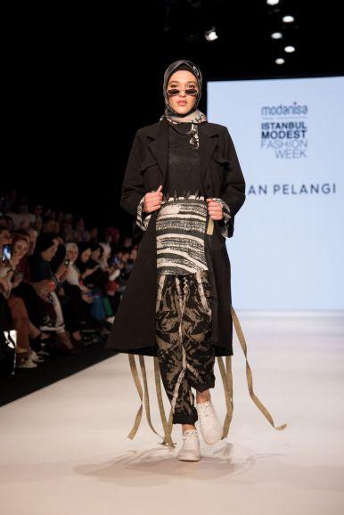 Dian pelangi at istanbul modest fashion week 2019 day 2