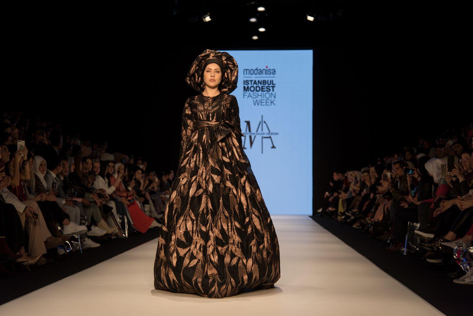 Meryem acar at istanbul modest fashion week 2019 day 1