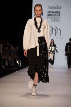 Muni muni at istanbul modest fashion week 2019 day 2