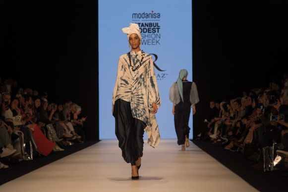 Ummiriaz at istanbul modest fashion week 2019