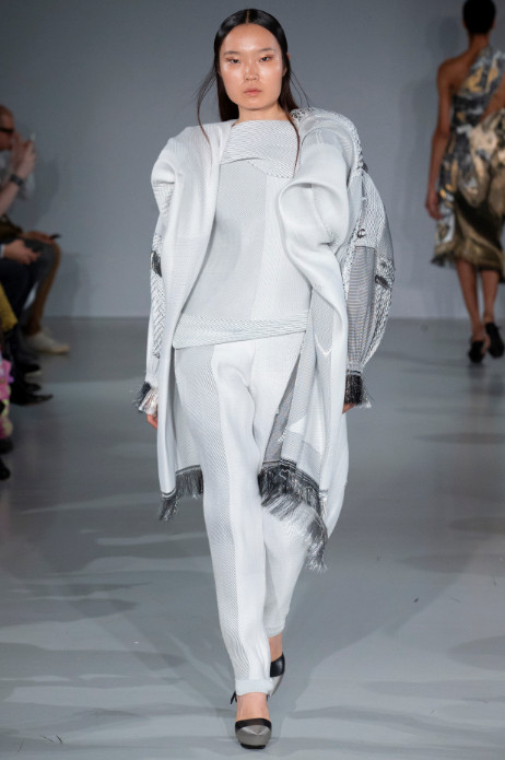 Fashion scout studio adaptive skins ss20 ones to watch catwalk (2)
