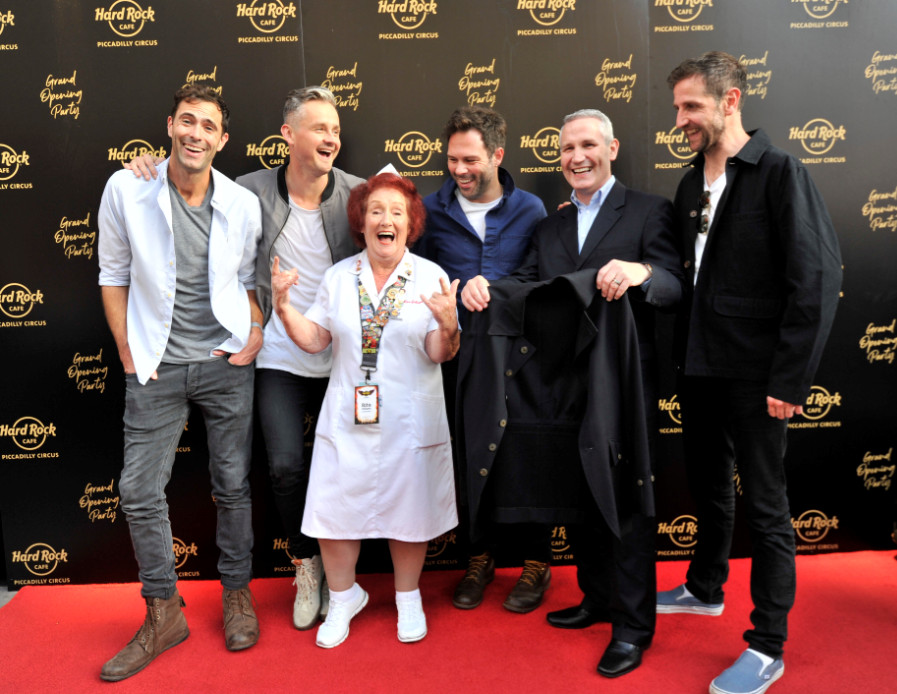 Hard rock cafe piccadilly circus launches european flagship