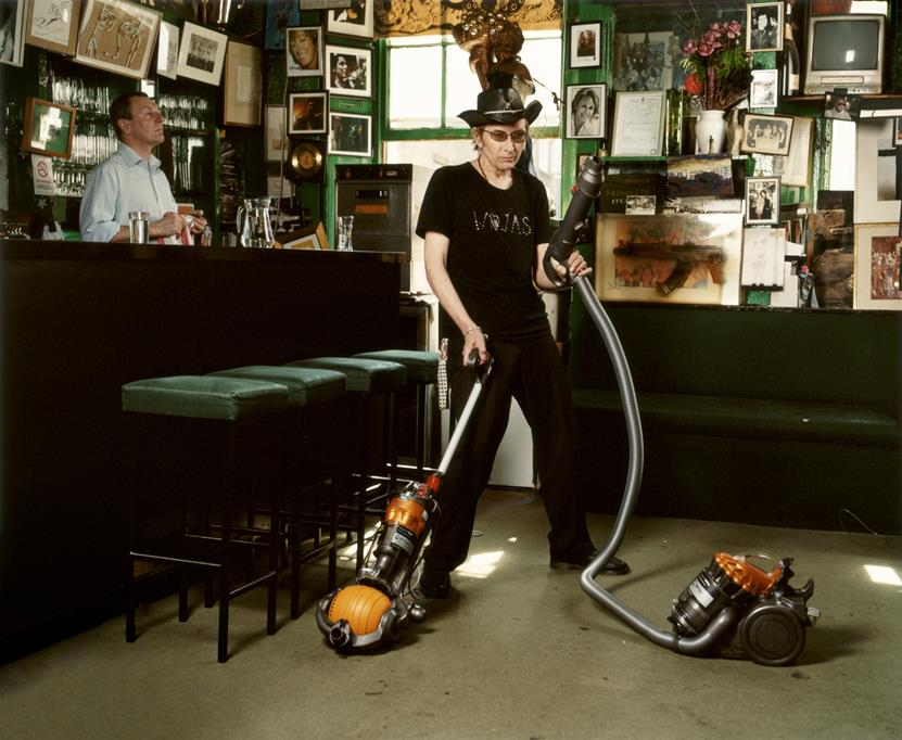 Amelia Troubridge, Michael Wojas hoovering at The Colony Rooms, 2008, Giclée digital archival print, 16 x 12 in. © Amelia Troubridge. Courtesy of Dellasposa Galley