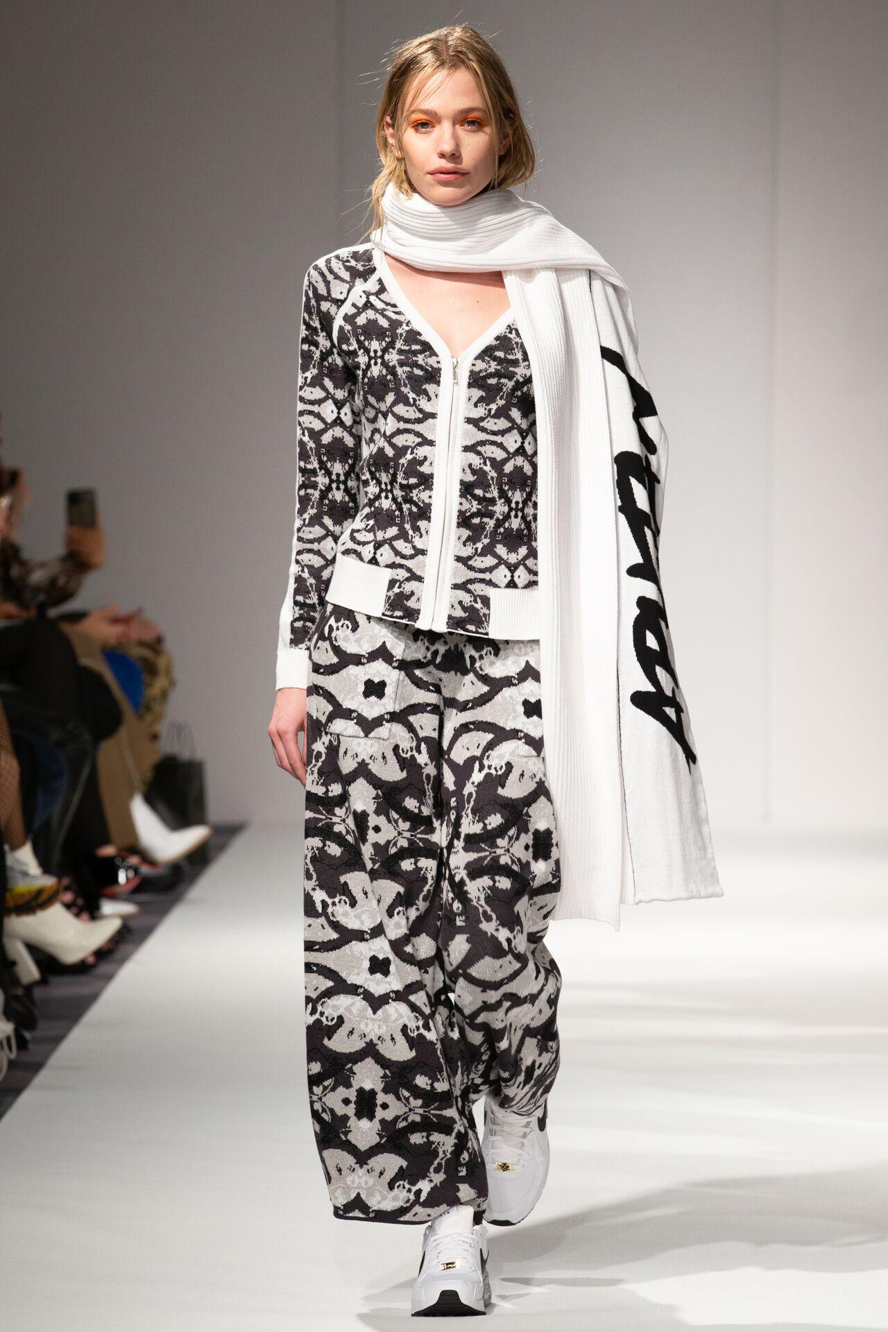 Apujan aw20 show during london fashion week (2)