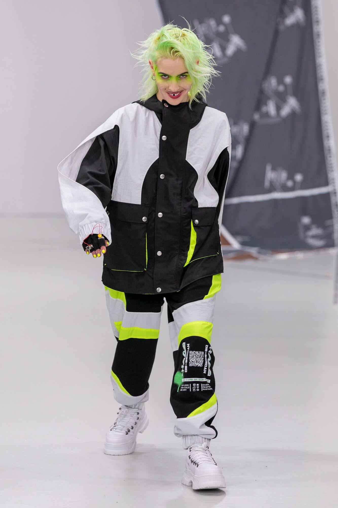 Db berdan aw20 during london fashion week (8)