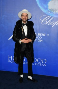 Uma thurman, sharon stone, and more attend 2020 hollywood for the global ocean gala (23)