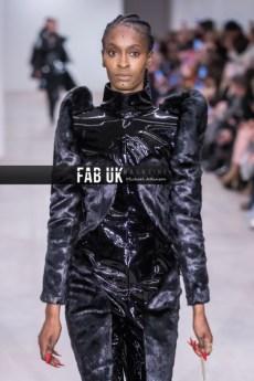 Yang du aw20 during london fashion week (1)