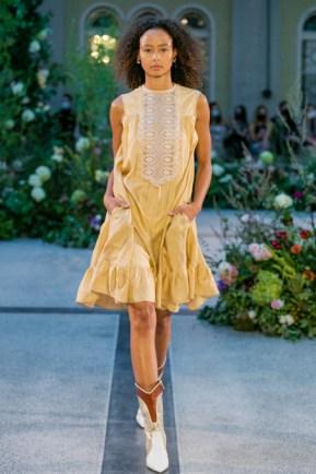 Jiri kalfar ss21 at mercedes benz prague fashion week (4)
