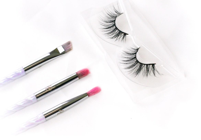 7 genius false eyelash hacks you need to know, according to a make up artist