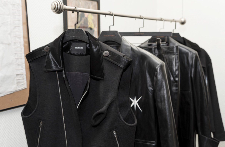 Kuanwang during paris menswear fashion week 2021 fw2122 collection (2)
